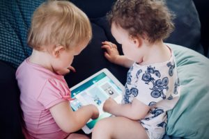 The Docs give you simple and easy advice about how to track, monitor and limit your child's screen time to prevent back pain and postural problems.