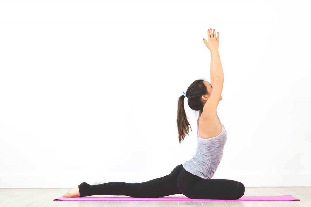 8 Essential Stretches For Tight Hips